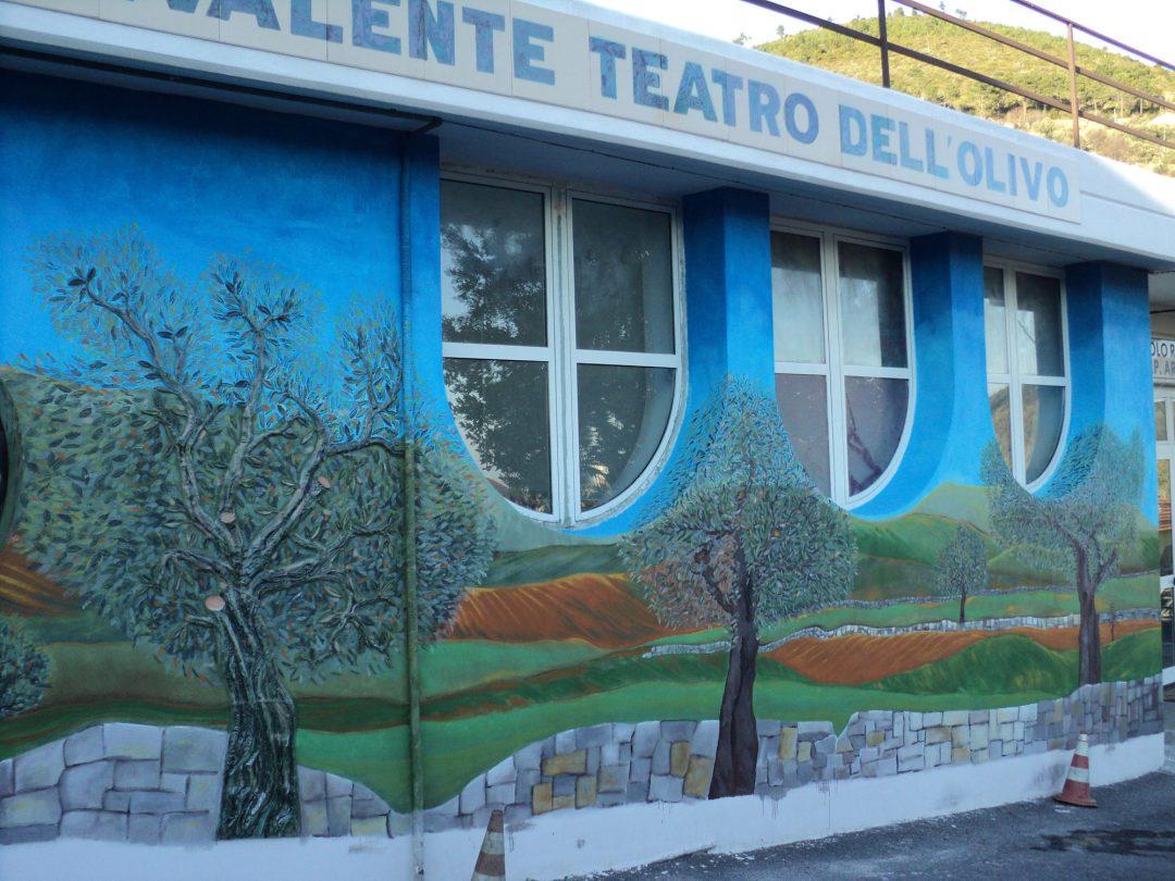 Arnasco – Ulivi e murales